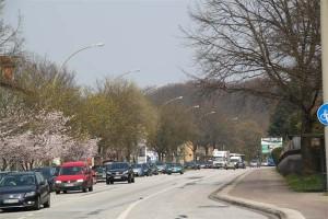 Verkehr auf der Winsener Straße in Harburg